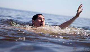 man-struggling-in-water